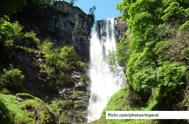 Llanrhaedr Waterfall